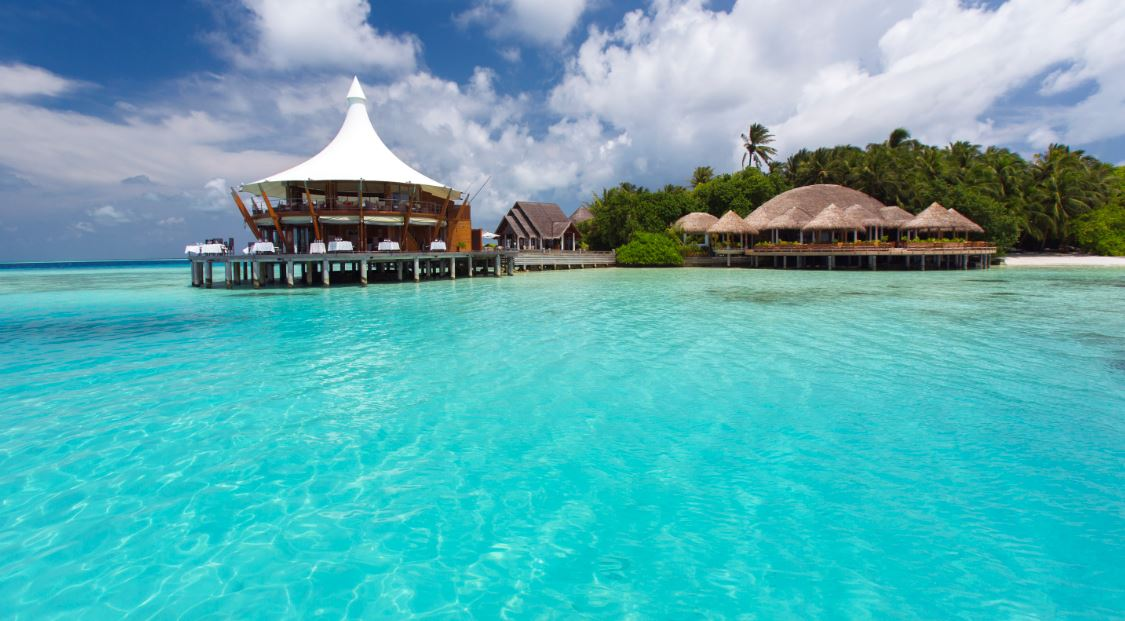 Baros maldives named resort hotel of the year by small for Luxury hotels of the world